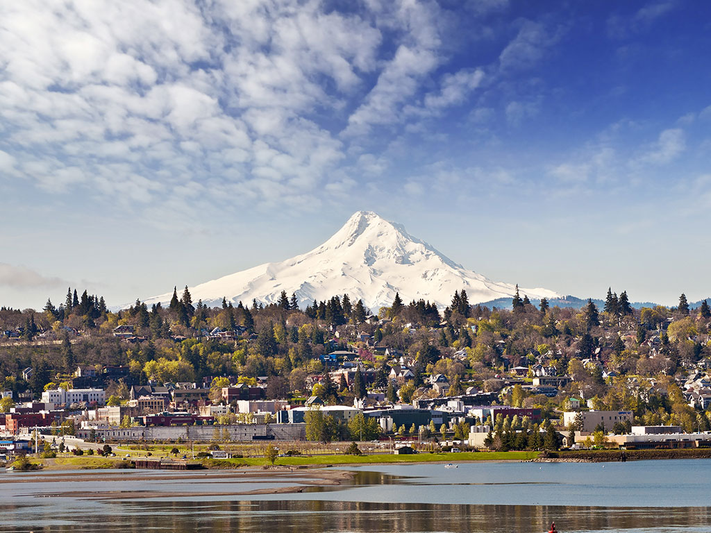 The wine scene in hood river oregon kazzit us wineries for The hood river