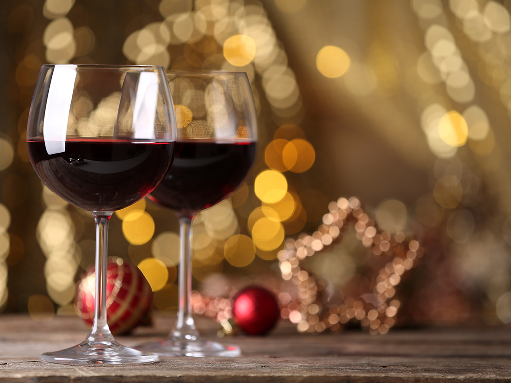 here are some tips to help you select a good bottle of wine that will make a perfect gift on a special occasion like christmas - Wine Christmas