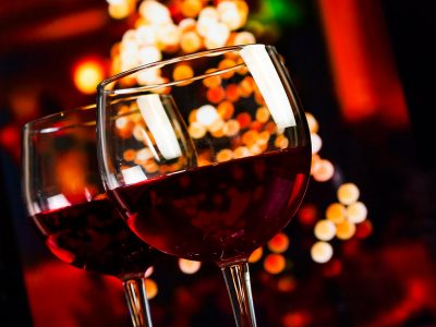 BEST SHOPPING GIFT IDEAS FOR THE WINE ENTHUSIAST OVER THE HOLIDAYS