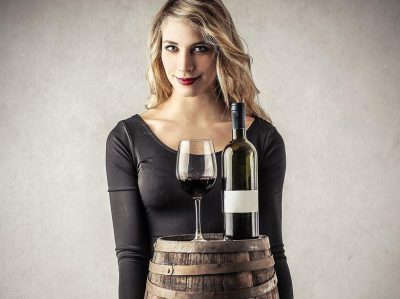 THE REASONS YOU SHOULD BE DRINKING RED WINE AS A WOMAN