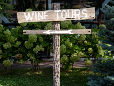 8 BEST WINE TOURS IN NYC