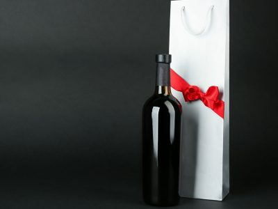 WHAT ARE THE BEST WINE ACCESSORY GIFTS?