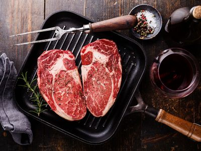HEALTH BENEFITS OF MARINATING YOUR STEAK IN WINE