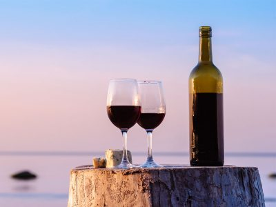 15 HEALTH BENEFITS OF WINE, ACCORDING TO SCIENCE (+6 DELICIOUS RECIPES)