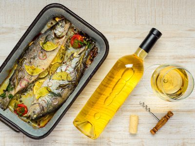 THE ULTIMATE GUIDE TO PAIR WINE WITH FISH