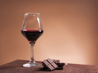 LEARNING ABOUT PAIRING WINE AND CHOCOLATE