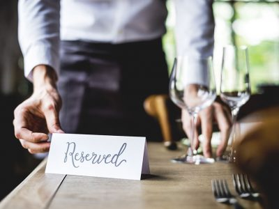 MAKING RESERVATIONS FOR WINE TASTING IN NAPA VALLEY