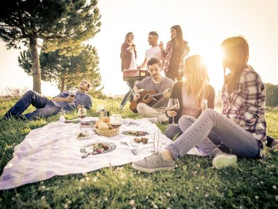 BEAUTIFUL WINE DESTINATIONS TO ENJOY A PICNIC