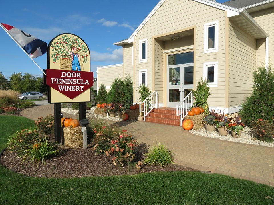 A Look Inside The Winery & Door Peninsula Winery United States Wisconsin Sturgeon Bay | US ...