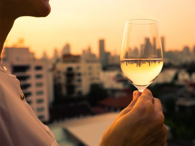 TOP 5 REASONS WHY YOU SHOULD GO ON A WINE TASTING WHILE YOU ARE ON VACATION