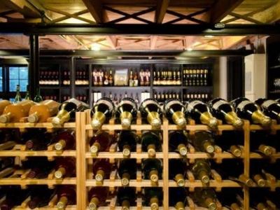 Johnson Estate Winery